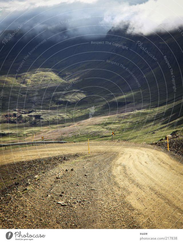 Guter Anfang Natur Wolken Landschaft Umwelt Ferne Straße Wiese Berge u. Gebirge Wege & Pfade Wetter Klima Ziel Hügel Kurve Island Tal