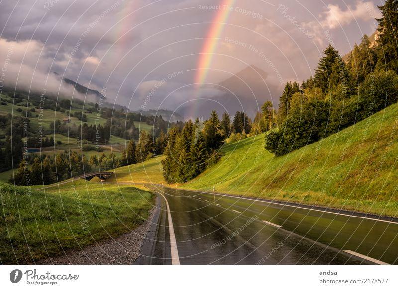 Regenbogen in den Bergen Natur Ferien & Urlaub & Reisen Landschaft Baum Einsamkeit Wolken Ferne Wald Berge u. Gebirge Straße Wiese Glück außergewöhnlich
