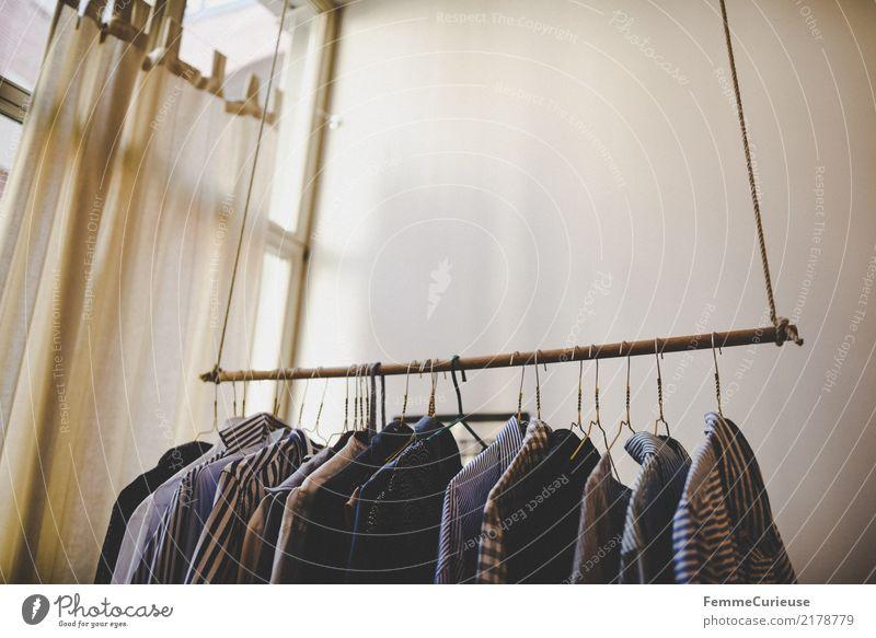 Home_21 Mode Bekleidung Häusliches Leben Kleiderständer Kleiderbügel Hemd Herrenmode Business Businessmode Schlafzimmer Fenster Wand hängend Ordnung
