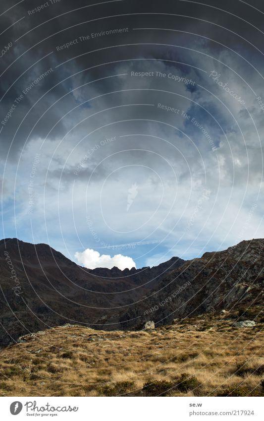 ES naht ... | Antholz [9] Wasser Himmel Sommer ruhig Wolken dunkel Berge u. Gebirge Luft Wind Wetter Felsen bedrohlich Alpen fantastisch Unendlichkeit Unwetter