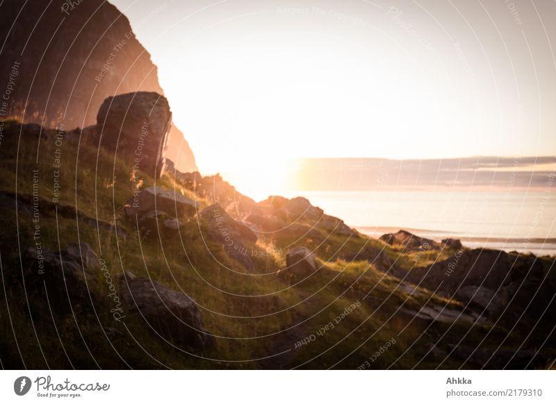Strandbild (2) Ferien & Urlaub & Reisen Natur Himmel Sonnenaufgang Sonnenuntergang Klima Felsen Berge u. Gebirge Küste Bucht Lofoten Stimmung Lebensfreude
