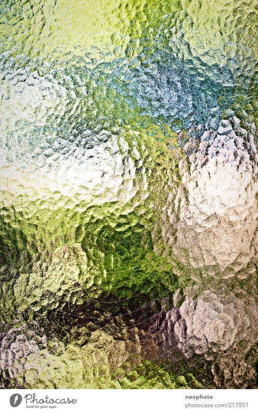 Der Sommer ist raus. Natur grün blau rot abstrakt Muster Verzerrung Lichtbrechung Textfreiraum Glasscheibe Experiment