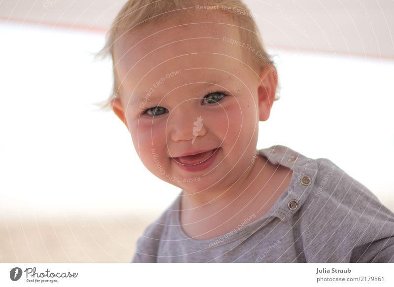 Bonjour feminin Kind Baby Kleinkind 1 Mensch 1-3 Jahre blond kurzhaarig Lächeln lachen natürlich niedlich positiv schön Fröhlichkeit Zufriedenheit Freude