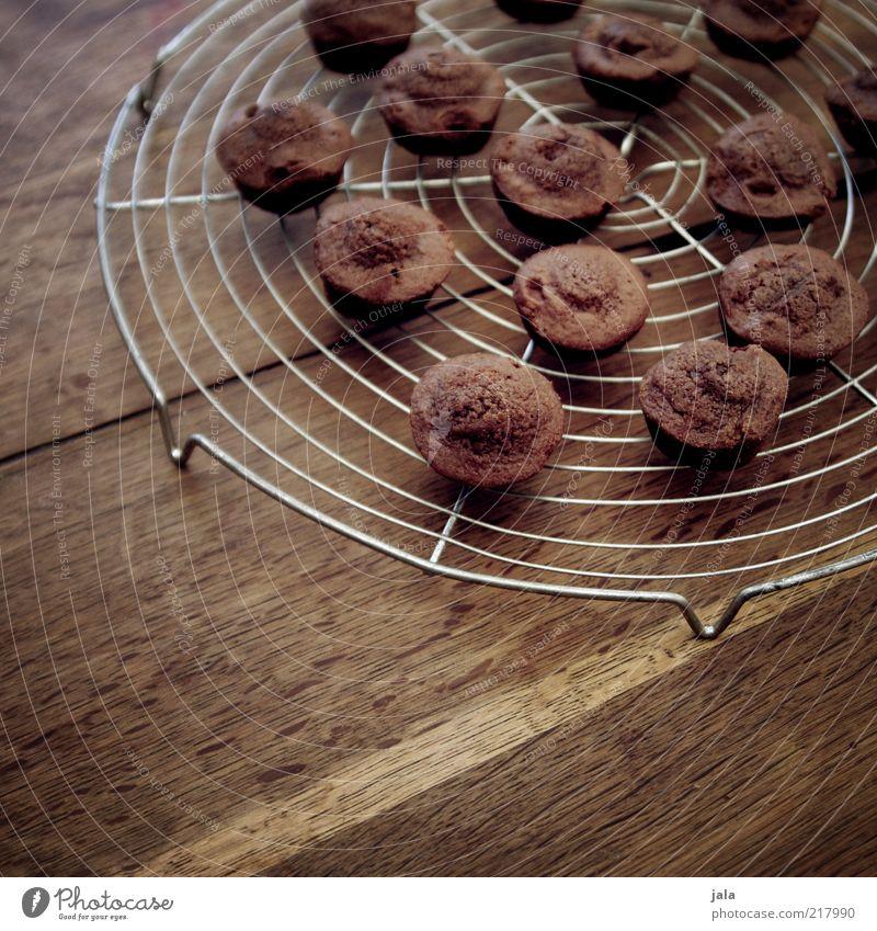 petit four chocolate Lebensmittel Teigwaren Backwaren Kuchen Dessert Süßwaren Ernährung Kaffeetrinken Fingerfood Tisch Holz lecker braun Schokolade klein