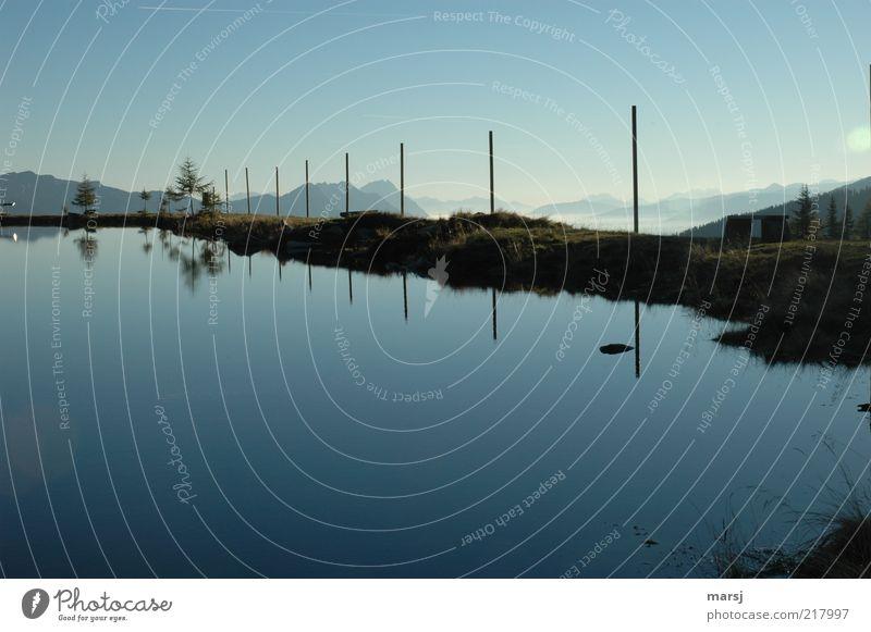 Herbstmorgen Natur Landschaft Wasser Himmel Wolkenloser Himmel Schönes Wetter Alpen Berge u. Gebirge Seeufer Teich Speicherteich natürlich blau Stimmung