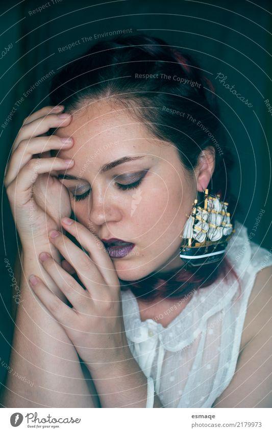 Porträt Mädchen Mode Mensch Jugendliche Junge Frau schön ruhig 18-30 Jahre Gesicht Erwachsene feminin Stil Kunst Design Zufriedenheit modern elegant