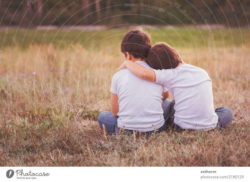 Brüder, die auf dem Gebiet umfassen Lifestyle Mensch maskulin Kind Kleinkind Junge Geschwister Bruder Familie & Verwandtschaft Freundschaft Kindheit 2 3-8 Jahre