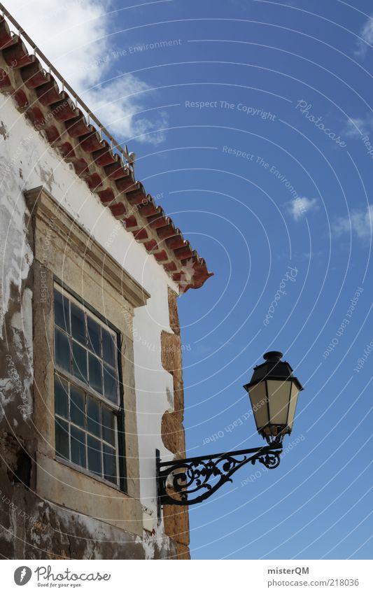Gassenblick. alt Himmel Sommer Ferien & Urlaub & Reisen Haus Wand Fenster Mauer Architektur Fassade Laterne historisch Straßenbeleuchtung Blauer Himmel Bildausschnitt