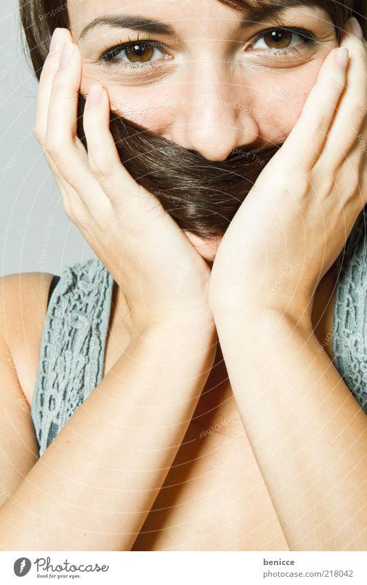 Schnauzer Frau Mensch Hand Jugendliche schön Freude Gesicht Auge feminin lachen Mund Haut maskulin Nase süß