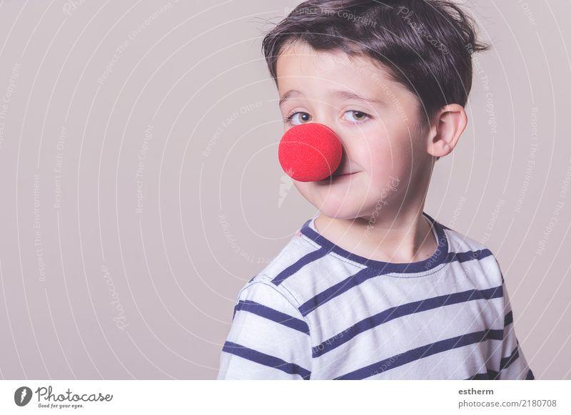 Kind mit Clownnase Mensch Freude lustig lachen Junge Party Feste & Feiern Zufriedenheit maskulin Kindheit Lächeln Fröhlichkeit Lebensfreude Abenteuer Coolness