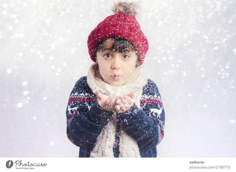 Kind an Weihnachten Lifestyle Freude Winter Schnee Winterurlaub Veranstaltung Feste & Feiern Weihnachten & Advent Silvester u. Neujahr Mensch Kleinkind 1