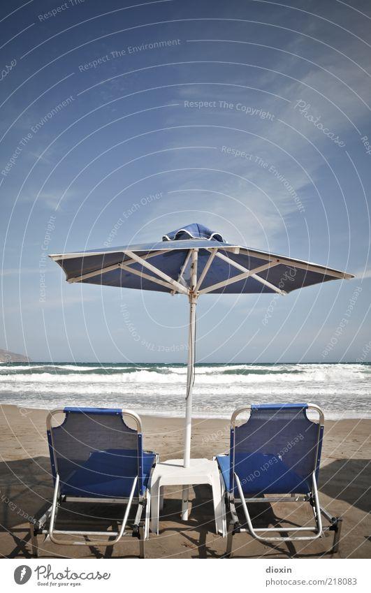rush to relax Ferien & Urlaub & Reisen Tourismus Sommer Sommerurlaub Strand Meer Insel Wellen Sonnenschirm Liegestuhl Himmel Wolken Kreta Schatten Farbfoto