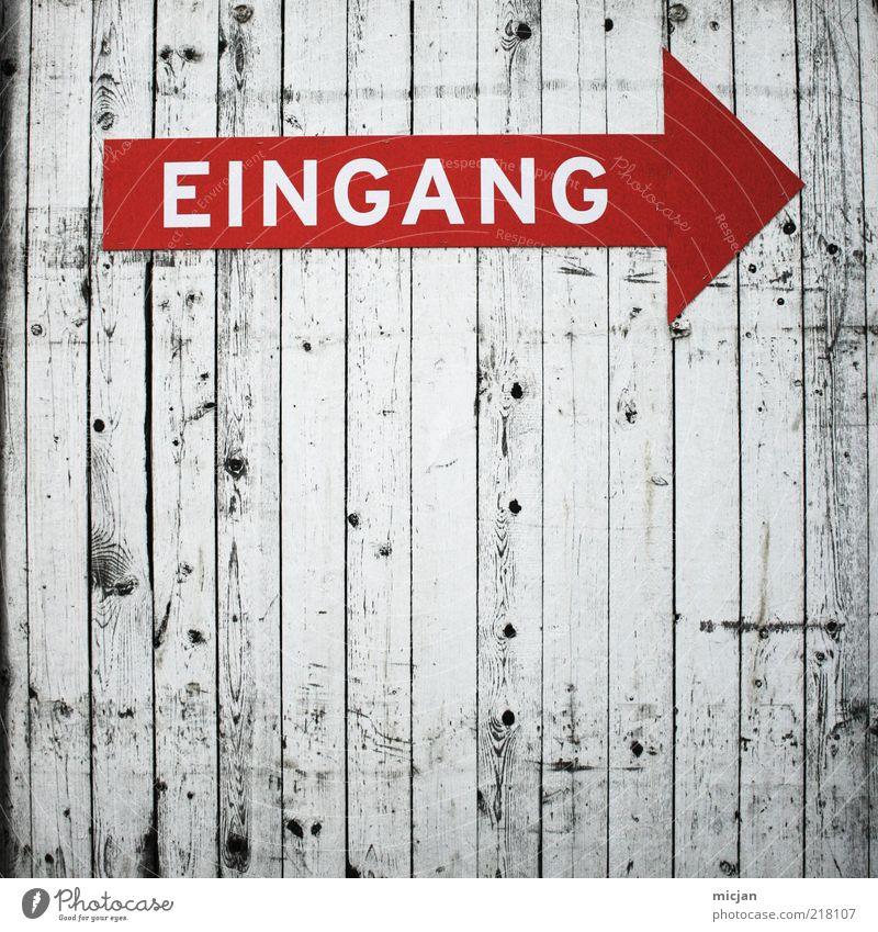 Ordinary Sign  Extraordinary Canvas weiß rot Holz Wege & Pfade Schilder & Markierungen Schriftzeichen einfach Ziel Spitze Pfeil Zeichen Eingang führen