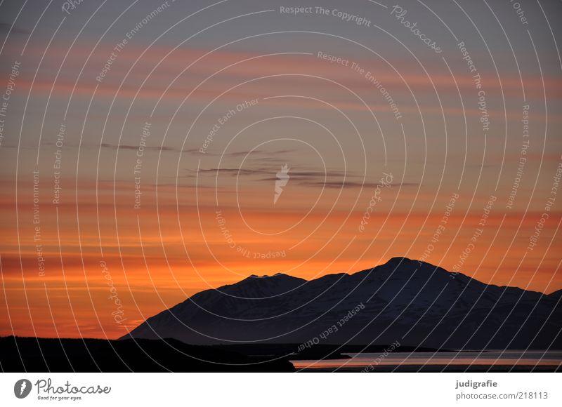 Island Umwelt Natur Landschaft Himmel Wolken Nachthimmel Sonnenaufgang Sonnenuntergang Klima Hügel Felsen Bucht Fjord dunkel fantastisch natürlich Stimmung
