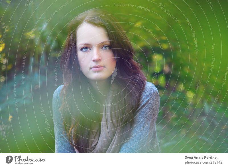 green. Mensch Jugendliche schön grün feminin Stil träumen Haare & Frisuren Zufriedenheit warten Haut Erwachsene elegant Lifestyle dünn