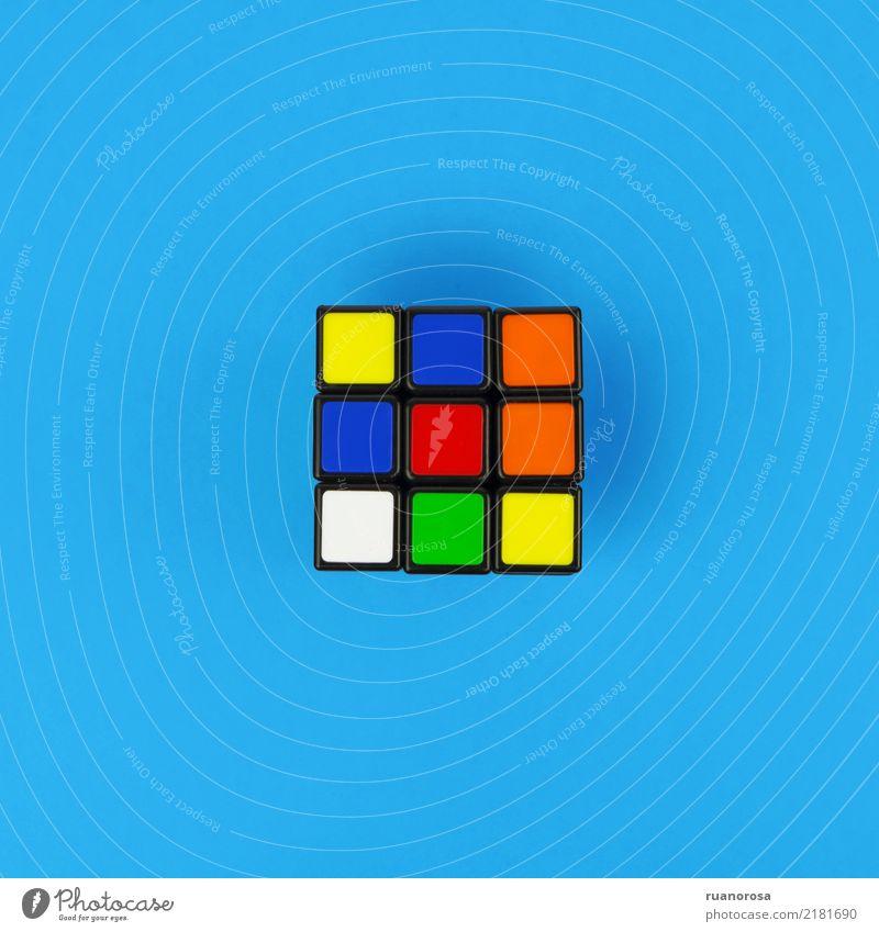 Einsames Objekt Nr. 1 Spielzeug Kunststoff ästhetisch Coolness lustig nerdig blau mehrfarbig Freude Rätsel Sport Farbfoto Innenaufnahme Studioaufnahme