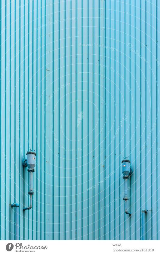 Wandverkleidung aus blauen Profilblechen Stadt Haus Architektur Gebäude Fassade modern Technik & Technologie Dinge Sauberkeit Fabrik Blech Industrieanlage