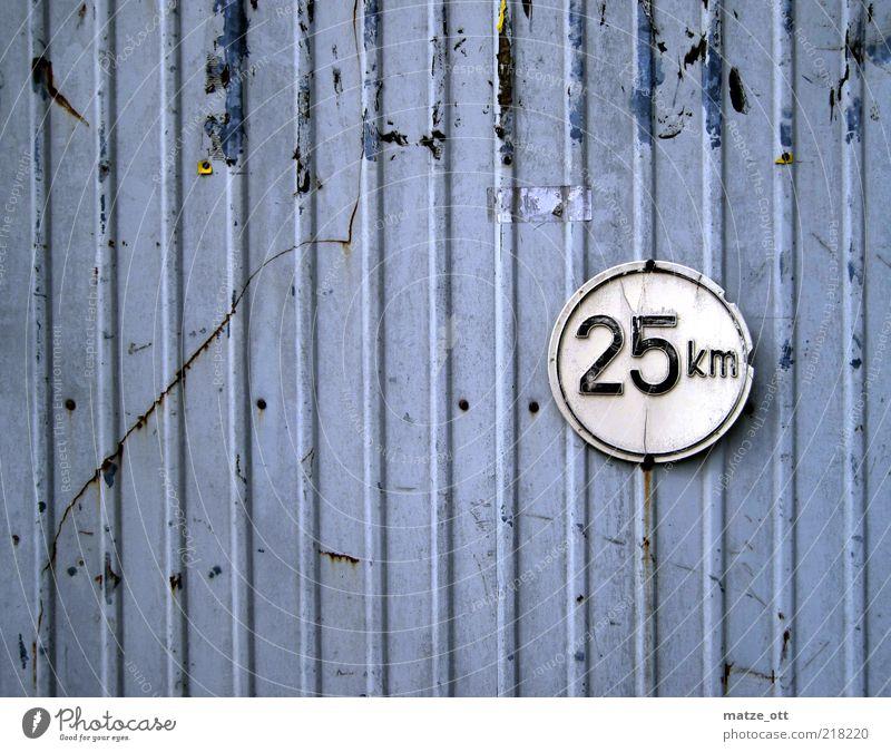25 alt grau Bewegung Schilder & Markierungen Hinweisschild bedrohlich Ziffern & Zahlen Lastwagen Rost Fahrzeug Eisen Verbote Blech Verkehrsschild Warnschild Verkehrszeichen