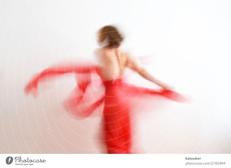 elegance Design schön Tanzen feminin Junge Frau Jugendliche Körper 1 Mensch Kunst Mode Kleid Stoff Bewegung drehen ästhetisch elegant positiv rot Freude