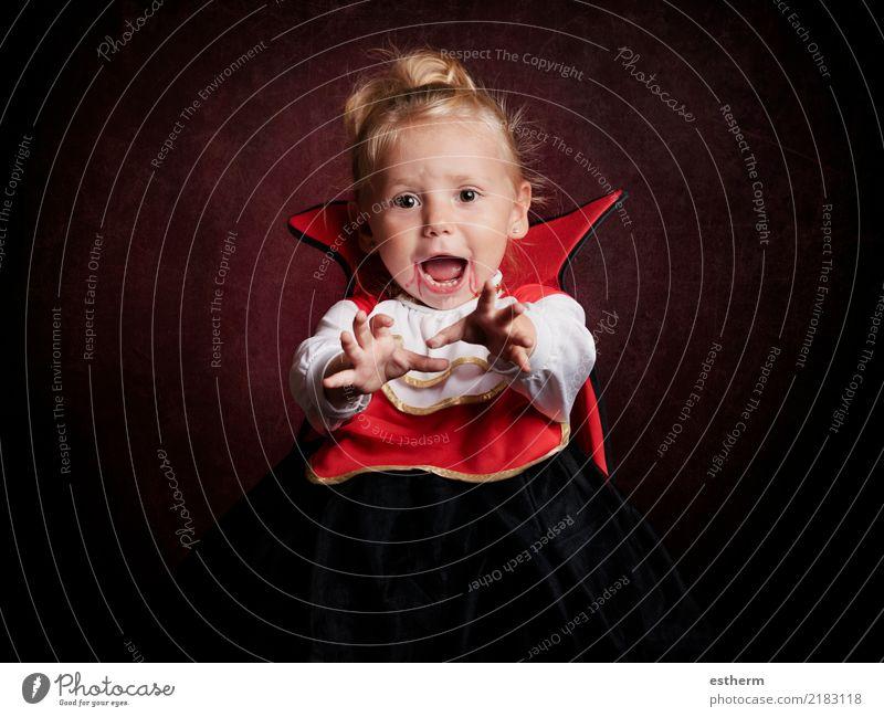 Baby an Halloween Mensch Ferien & Urlaub & Reisen Freude Mädchen Lifestyle lustig feminin Bewegung Glück Party Feste & Feiern Zufriedenheit Kindheit Lächeln