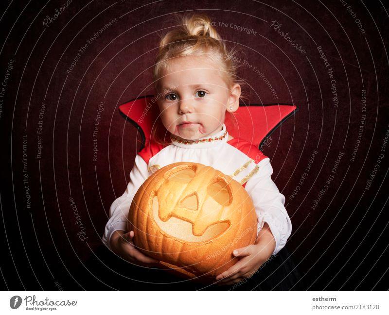 Baby an Halloween Mensch Ferien & Urlaub & Reisen Freude Mädchen Lifestyle feminin Party Feste & Feiern Zufriedenheit Kindheit Lächeln Fröhlichkeit fantastisch