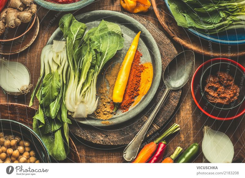 Zutaten für Asiatische Küche Gesunde Ernährung Foodfotografie Essen Leben Stil Lebensmittel Design Tisch Kräuter & Gewürze Scharfer Geschmack Gemüse Bioprodukte