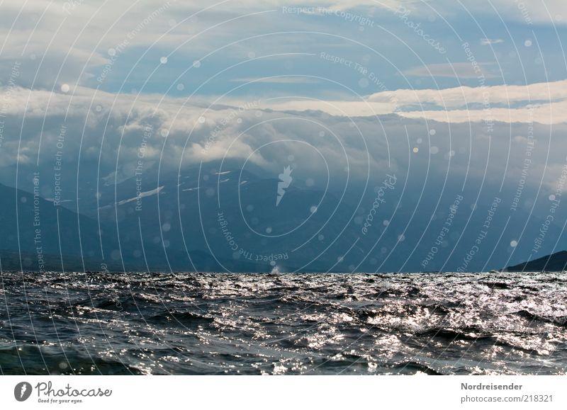 Tiefdruckgebiet Natur Wasser Wolken Ferne Leben dunkel Berge u. Gebirge Freiheit See Landschaft Stimmung Küste Wellen Wetter Romantik Tropfen