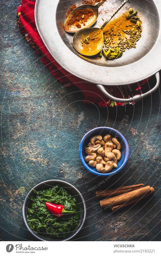 Indische oder orientalische Küche Lebensmittel Kräuter & Gewürze Öl Ernährung Asiatische Küche Geschirr Löffel Stil Design Gesunde Ernährung Tisch Restaurant
