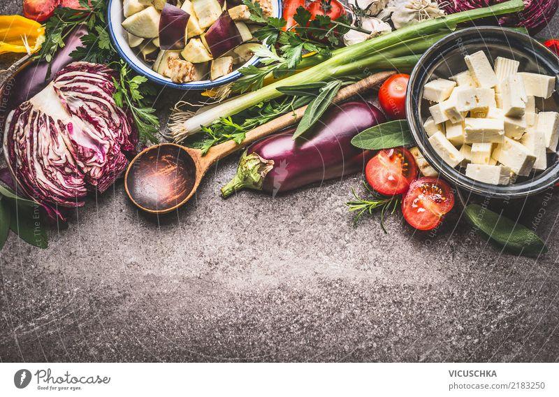 Vegetarisch kochen mit Gemüse und Frischkäse Sommer Speise Foodfotografie Hintergrundbild Stil Lebensmittel Design Ernährung Kräuter & Gewürze Bioprodukte