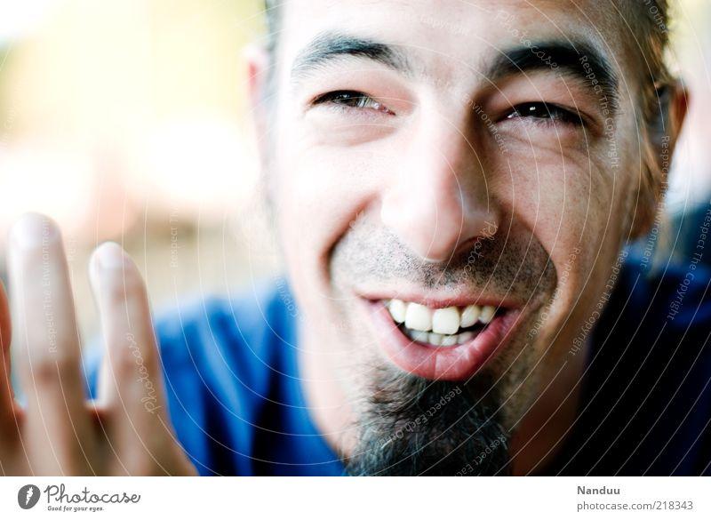 Humoristische Themen Mensch maskulin Erwachsene Gesicht 1 30-45 Jahre Bart sprechen Lächeln lachen authentisch Glück Gefühle Freude Fröhlichkeit selbstbewußt
