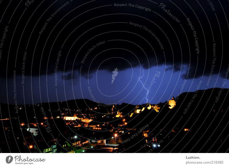 Blitzschlag Natur Himmel weiß blau schwarz Wolken gelb dunkel kalt Regen Landschaft Angst Deutschland Wind Wetter Umwelt