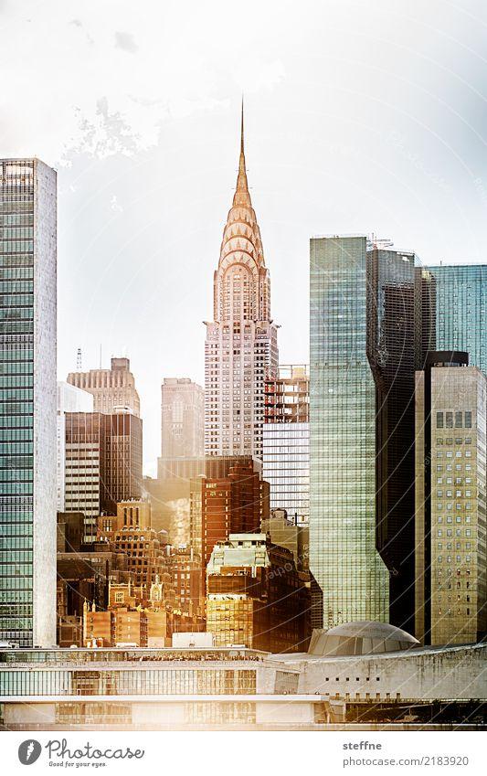 von Queens 09 New York City USA Manhattan Hochhaus Skyline Sommer Stadtleben Gegenlicht Chrysler Building