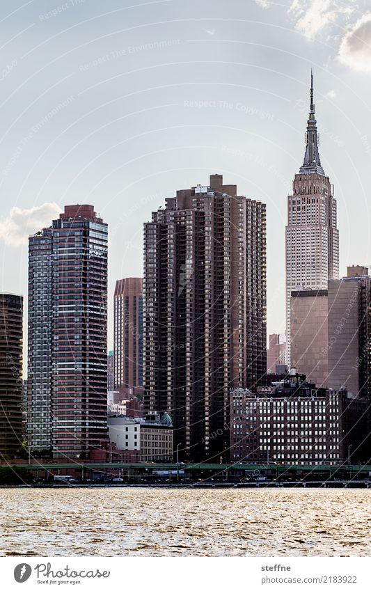 von Queens 10 New York City USA Manhattan Hochhaus Skyline Sommer Stadtleben Gegenlicht Empire State Building