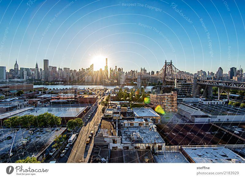 von Queens 12 New York City USA Manhattan Hochhaus Skyline Sommer Stadtleben Gegenlicht Chrysler Building Empire State Building Vereinte Nationen Weitwinkel