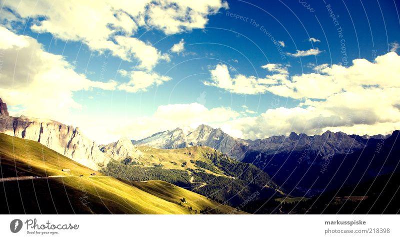 schöne aussicht Ferne Erholung Berge u. Gebirge Freiheit Ausflug Freizeit & Hobby Italien Alpen Gipfel harmonisch Ferien & Urlaub & Reisen Sommerurlaub Pass Südtirol Wolkenhimmel Schneebedeckte Gipfel