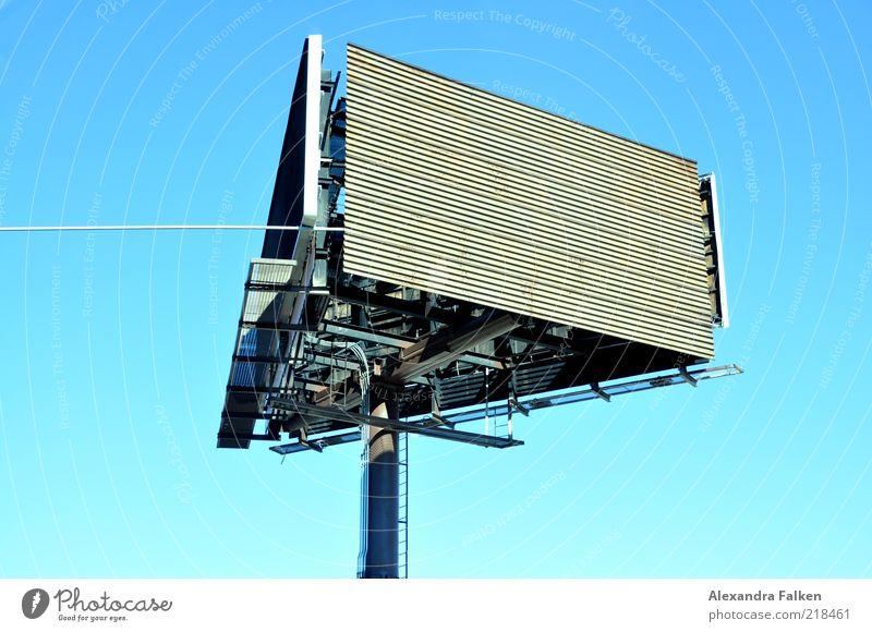In alle Richtungen. Schilder & Markierungen Werbung Anzeige Plakatwand Werbeschild
