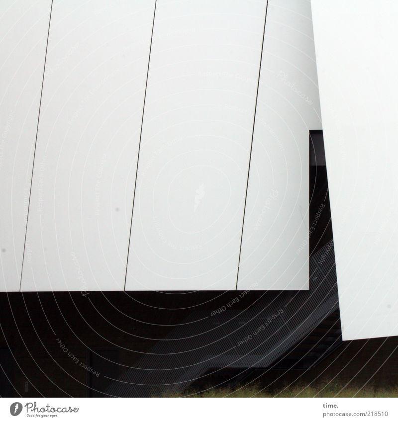 Faltenrock Kunst Museum Kunstwerk Gebäude Architektur Treppe Dach außergewöhnlich weiß Eingang parallel diagonal Menschenleer Fassadenverkleidung
