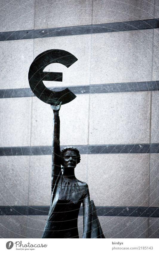 Madame Europa feminin 1 Mensch Skulptur Brüssel Belgien Mauer Wand Metall Zeichen Eurozeichen Linie ästhetisch authentisch Bekanntheit Stadt grau Tapferkeit