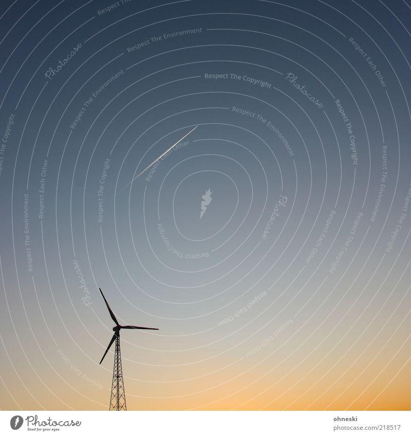 Energie Himmel Umwelt Flugzeug Energie Energiewirtschaft Luftverkehr Klima Symbole & Metaphern Windkraftanlage Umweltschutz Klimawandel Windrad Umweltverschmutzung Kondensstreifen Fluggerät Sonnenaufgang