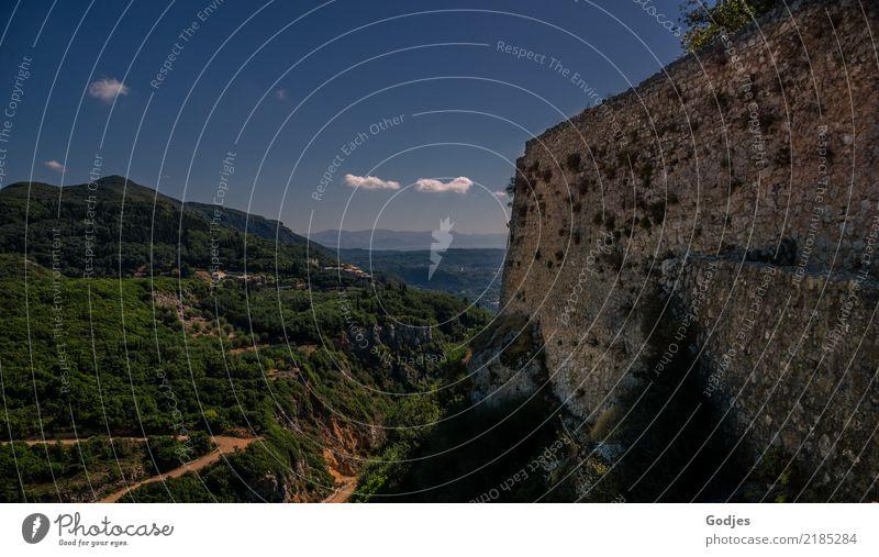 Blick von Angelokastro V Himmel Ferien & Urlaub & Reisen blau grün Baum Landschaft Wolken Wand Mauer Tourismus grau braun Schönes Wetter Hügel Sehenswürdigkeit