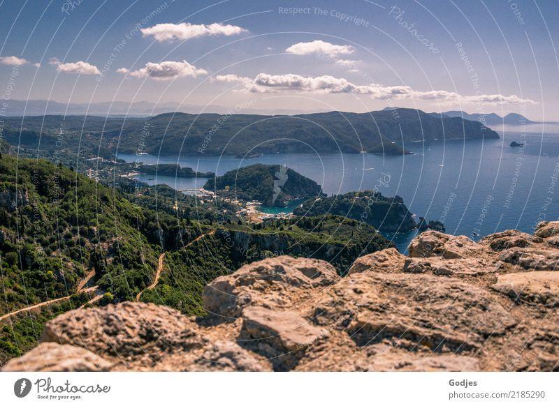 Blick von Angelokastro IV Natur Landschaft Wasser Himmel Wolken Horizont Sommer Baum Hügel Felsen Berge u. Gebirge Küste Bucht Insel Korfu Burg oder Schloss