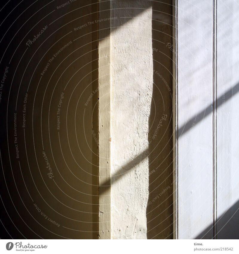 Dankbarkeit dunkel Wand Fenster Innenarchitektur Flur diagonal