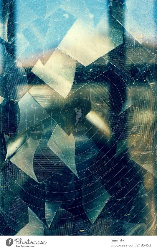 Metallischer abstrakter Hintergrund Glas Kristalle alt dreckig dunkel hell blau gelb schwarz chaotisch Dekadenz Farbe Kreativität Rätsel Surrealismus