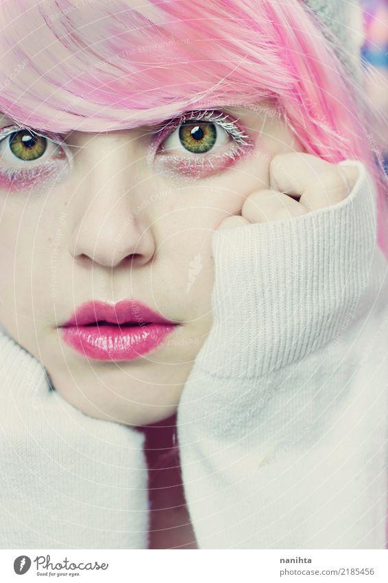 Junge Frau, die wie eine Puppe aussieht Mensch Jugendliche schön grün weiß 18-30 Jahre Gesicht Auge Erwachsene feminin Stil Kunst rosa Kreativität Haut