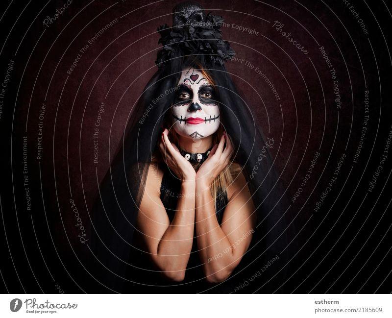 junge Frau im Halloween-Kostüm Lifestyle Entertainment Party Veranstaltung Feste & Feiern Karneval Mensch feminin Junge Frau Jugendliche Erwachsene 1