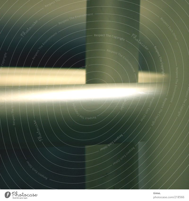 Rätsel der Moderne (IV) grau glänzend rund Röhren Stab