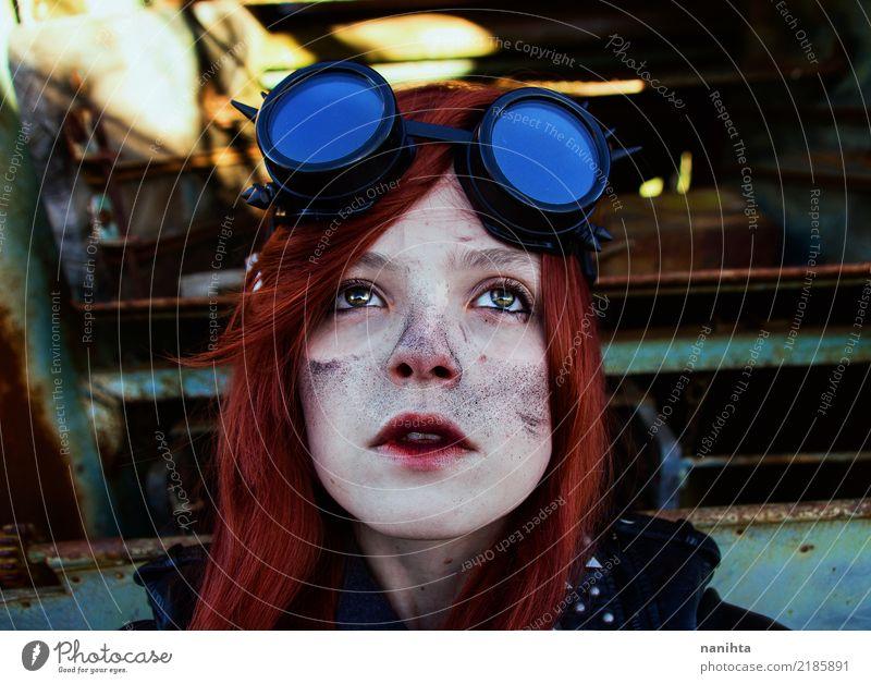Junge Steampunk-Frau staubverschmutzt Mensch feminin Junge Frau Jugendliche Erwachsene 1 18-30 Jahre Arbeitsbekleidung Schutzbekleidung Brille Haare & Frisuren