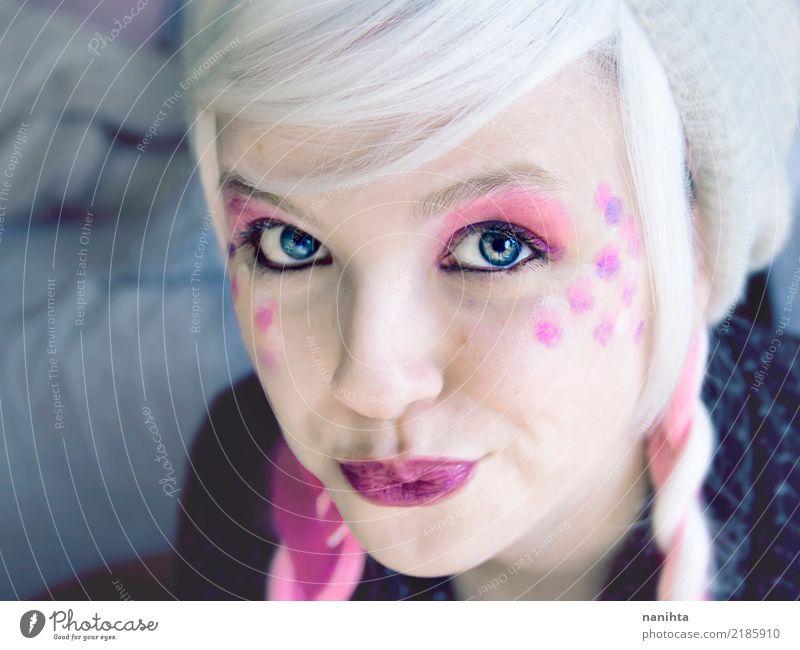 Junge Frau mit blauen Augen und Rosa bilden Mensch Jugendliche schön weiß 18-30 Jahre Gesicht Erwachsene feminin außergewöhnlich Haare & Frisuren rosa frisch