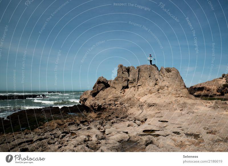 Küstenabschnitt Mensch Ferien & Urlaub & Reisen Natur Sommer Wasser Landschaft Sonne Meer Erholung Ferne Strand Umwelt Tourismus Freiheit Ausflug