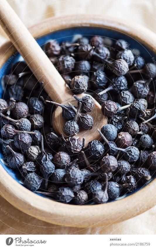 Kubeben-Pfeffer Kräuter & Gewürze Pfefferkörner Heilpflanzen Piper cubeba Pfeffergewächse Bioprodukte Schalen & Schüsseln Löffel blau braun getrocknet Korn